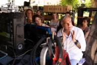 PACO ARANGO en LOS RODRIGUEZ Y EL MAS ALLA (2019), dirigida por PACO ARANGO. Título inglés: THE RODRIGUEZ AND THE BEYOND.PACO ARANGO in LOS RODRIGUEZ Y EL MAS ALLA (2019), directed by PACO ARANGO. English title: THE RODRIGUEZ AND THE BEYOND.. Guisante Films / Calcon Producciones / Album. . , PACO ARANGO, ;