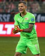 25 January 2020, Berlin: Football: Bundesliga, 1st FC Union Berlin - FC Augsburg, 19th matchday, An der Alten Försterei stadium. Goalkeeper Rafal Gikiewicz of Union Berlin claps his hands cheering. Photo: Andreas Gora/dpa - IMPORTANT NOTE: In accordance with the regulations of the DFL Deutsche Fußball Liga and the DFB Deutscher Fußball-Bund, it is prohibited to exploit or have exploited in the stadium and/or from the game taken photographs in the form of sequence images and/or video-like photo series.