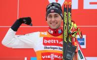 26 January 2020, Bavaria, Oberstdorf: Nordic ski/combination: World Cup, Jarl Magnus Riiber from Norway cheers on the podium Photo: Karl-Josef Hildenbrand/