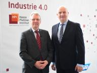 20 February 2020, Brandenburg, Potsdam: Christoph Meinel (l), Director and CEO of the Hasso Plattner Institute (HPI), and Dietmar Woidke, Minister President of Brandenburg, stand side by side before the start of the HPI