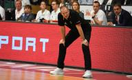 21 February 2020, Lower Saxony, Vechta: Basketball: European Championship qualification, 4th round, Group G, 1st matchday, Germany - France. National coach Henrik Rödl stands on the sideline. Photo: Carmen Jaspersen/
