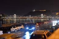 Budapest: Chain bridge, Szechenyi Lanch\'d suspension bridge over the Danube. aftertake, on 09\/23\/2020. | usage worldwide