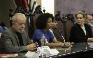 "SÃO PAULO, SP - 11.12.2019: LANÃAMENTO LIVRO CRISTIANO ZANIN MARTINS - Former President Luiz Inacio ""Lula"" da Silva attends the launch of Lawfare, by lawyers Cristiano and Waleska Zanin Martins at USP Law School, Largo do São Francisco, central São Paulo, on Wednesday night (11). The event was attended by students, politicians and lawyers. (Photo: Bruno Rocha/Fotoarena)"