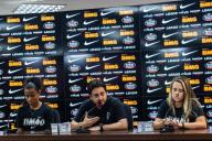 SÃO PAULO, SP - 17.01.2020: APRESENTAÃÃO CORINTHIANS FUTEBOL FEMININO - Corinthians presents the women's soccer team for the 2020 season. Press conference with Grazi, Arthur Elias and Andressinha. The team retained much of the squad and got major boosts for the season. The presentation took place at the Joaquim Grava Training Center, in São Paulo / SP, on the afternoon of Friday, January 17, 2020. (Photo: Van Campos/Fotoarena)