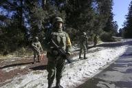 EUM20200121SOC32.JPG ZINACANTEPEC, Méx. Volcano/Volcán-Nevado.- 21 de enero de 2019. Aspectos de la vigilancia por parte del ejército en las inmediaciones del Nevado de Toluca. Foto: Agencia EL UNIVERSAL/