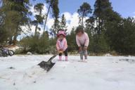 EUM20200121SOC21.JPG ZINACANTEPEC, Méx. Volcano/Volcán-Nevado.- 21 de enero de 2019. Aspectos de la nieve que cubrió de blanco a las comunidades de Raíces y Loma Alta, cercanas al Nevado de Toluca. Foto: Agencia EL UNIVERSAL/