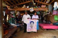 EUM20200925NAC06.JPG CIUDAD DE MÃXICO. Justice\/Justicia-Ayotzinapa.- 25 de septiembre de 2020. Dominga y Damián, padres de Felipe, uno de los 43 normalistas desaparecidos de Ayotzinapa, no pudieron acudir a las movilizaciones de este año porque enfermaron de Covid, pero la esperanza de encontrar a su hijo les da fuerza a seis años de la desaparición. Foto: Agencia EL UNIVERSAL\/EELG