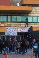 EUM20200121SOC34.JPG CIUDAD DE MÉXICO. Protest/Protesta-CCH.- 21 de enero de 2019. Aspectos de la protesta que realizaron alumnos del CCH Azcapotzalco frente a rectoría de Ciudad Universitaria; exigen seguridad y atención médica adecuada. Foto: Agencia EL UNIVERSAL/Fernanda Rojas/EELG