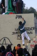 EUM20200121SOC38.JPG CIUDAD DE MÉXICO. Protest/Protesta-CCH.- 21 de enero de 2019. Aspectos de la protesta que realizaron alumnos del CCH Azcapotzalco frente a rectoría de Ciudad Universitaria; exigen seguridad y atención médica adecuada. Foto: Agencia EL UNIVERSAL/Fernanda Rojas/EELG