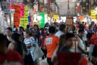 EUM20200330SAL33.JPG CIUDAD DE MÉXICO Health/Salud-Coronavirus.- Recorrido al interior de la Central de Abastos de esta capital, lunes 30 de marzo de 2020. Algunos de los vendedores de este punto comercial sugieren que la elevada cantidad de clientes reportados este día se debe a que muchos de ellos se están surtiendo de alimentos para enfrentar la cuarentena por el coronavirus. Foto: Agencia EL UNIVERSAL/Juan Boites/EVZ