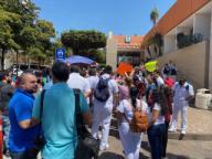 EUM20200401SOC15.JPG CULIACÁN, Sin., Protests/Protestas-Médicos.- Personal médico y enfermeras de ambos sexos del Hospital Regional No.1 del Instituto Mexicano del Seguro Social, se manifestaron con pancartas este 1 de abril de 2020, denunciando carencia de mascarillas de protección, equipo especial, lo que los expone al trabajar con pacientes sospechosos de Covid-19. Foto: Agencia EL UNIVERSAL/AFBV