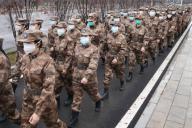 (200126) -- WUHAN, Jan. 26, 2020 (Xinhua) -- Members of a military medical team head for Wuhan Jinyintan Hospital in Wuhan, central China