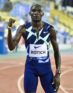 (200926) -- DOHA, Sept. 26, 2020 (Xinhua) -- Ferguson Cheruiyot Rotich of Kenya celebrates after the men\'s 800m final at the 2020 Diamond League Athletics Meeting in Doha, Qatar, Sept. 25, 2020. (Photo by Nikku\/Xinhua